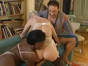 Older Sonja Muere fisted in anal