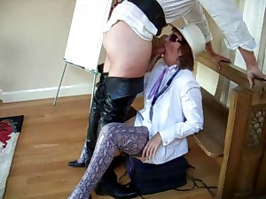 Milf in snakeskin haunch shoes sucks studs for welfare